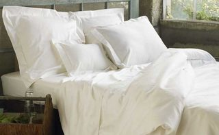 Coyuchi_sateen_white_wholebed
